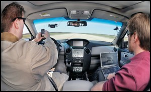 SMS-ващите зад волана са по-опасни от пияните шофьори