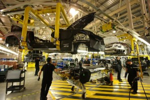 Общи усилия: Aston Martin и Daimler заедно срещу конкуренцията на Bentley и Rolls Royce