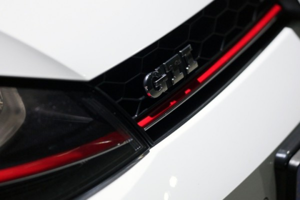 2014-vw-golf-gti-performance-4