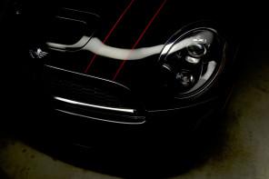 MINI Cooper JCW: Тънка червена линия