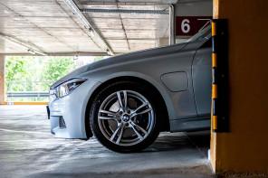 BMW 330e: Тройка с щепсел
