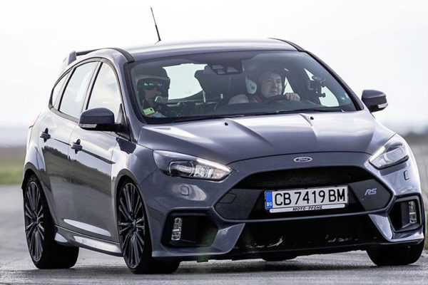 ford-focus-rs-track